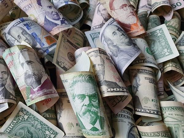 Dollarization with Uruguayan Banknotes and American Bills, Uruguay