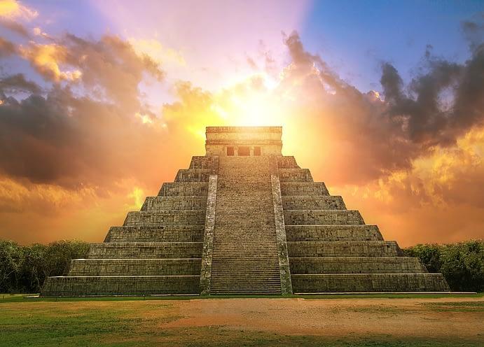 Mayan Pyramid Of Kukulcan El Castillo, Chichen Itza, Mexico